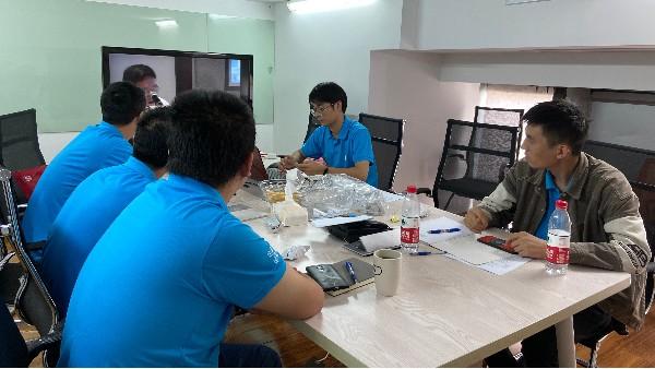 上海达沃组织员工进行主题为《年度产品回顾》的内部培训