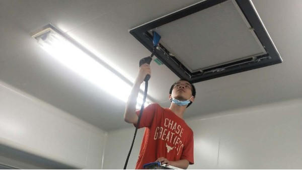 上海达沃在北京万辉双鹤公司继续进行称量罩的高效过滤器检漏测试服务