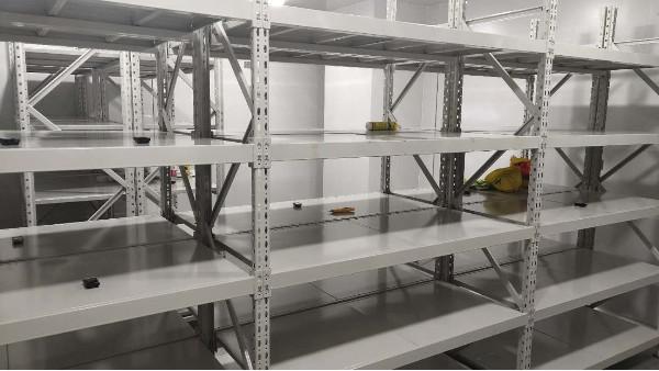 上海达沃在康日百奥生物科技公司的仓库温湿度验证持续进行中